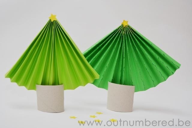 Papieren kerstboom - kerstmis knutselen met kinderen