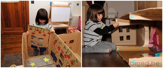 Van kartonnen dozen een hindernis tunnel maken voor kinderen