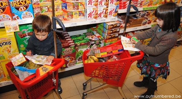 kids each circle off items on their shopping list