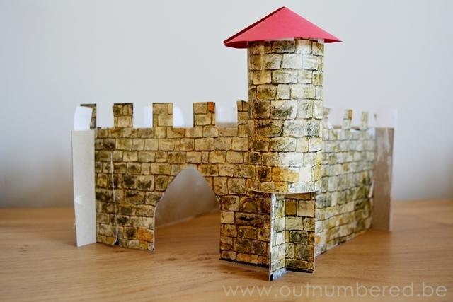 Verwonderend Een eenvoudig kasteel knutselen met kleuters - Outnumbered UF-78